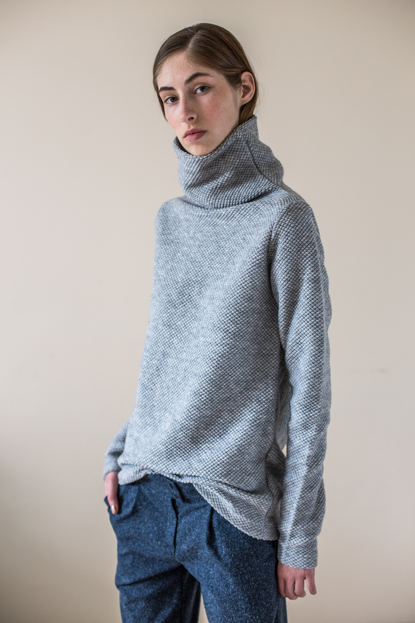 wearenotsisters_wrns_obstacle-sweater_01
