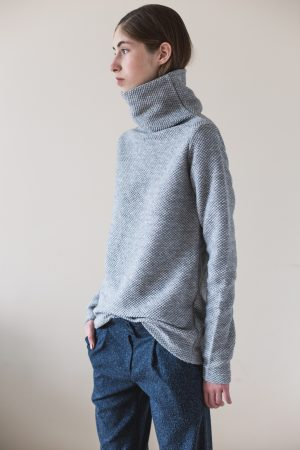 wearenotsisters_wrns_obstacle-sweater_05