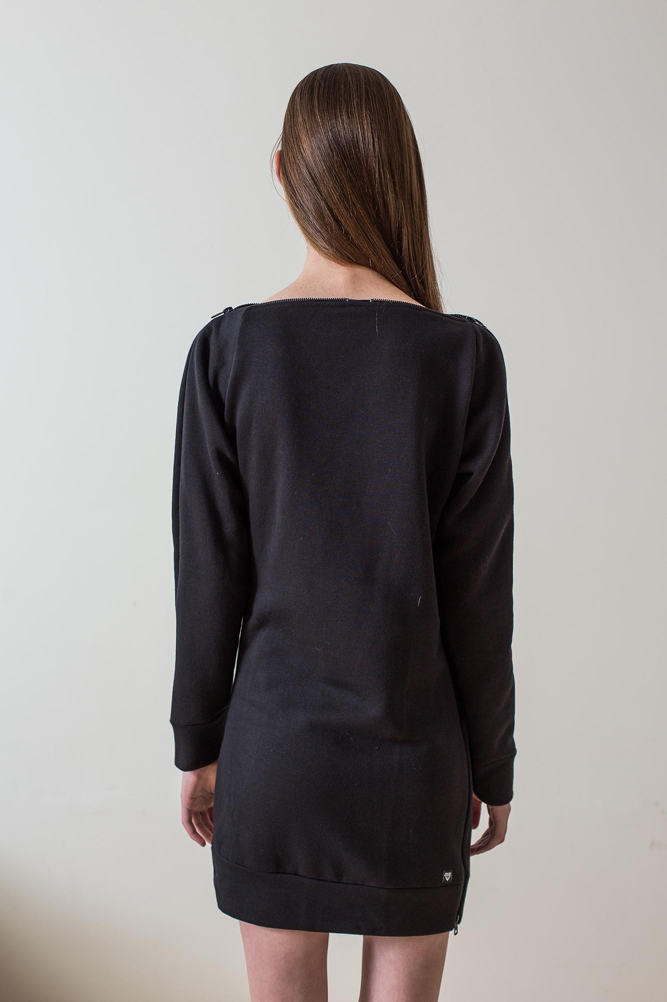 wearenotsisters_wrns_still-sweatshirt_02