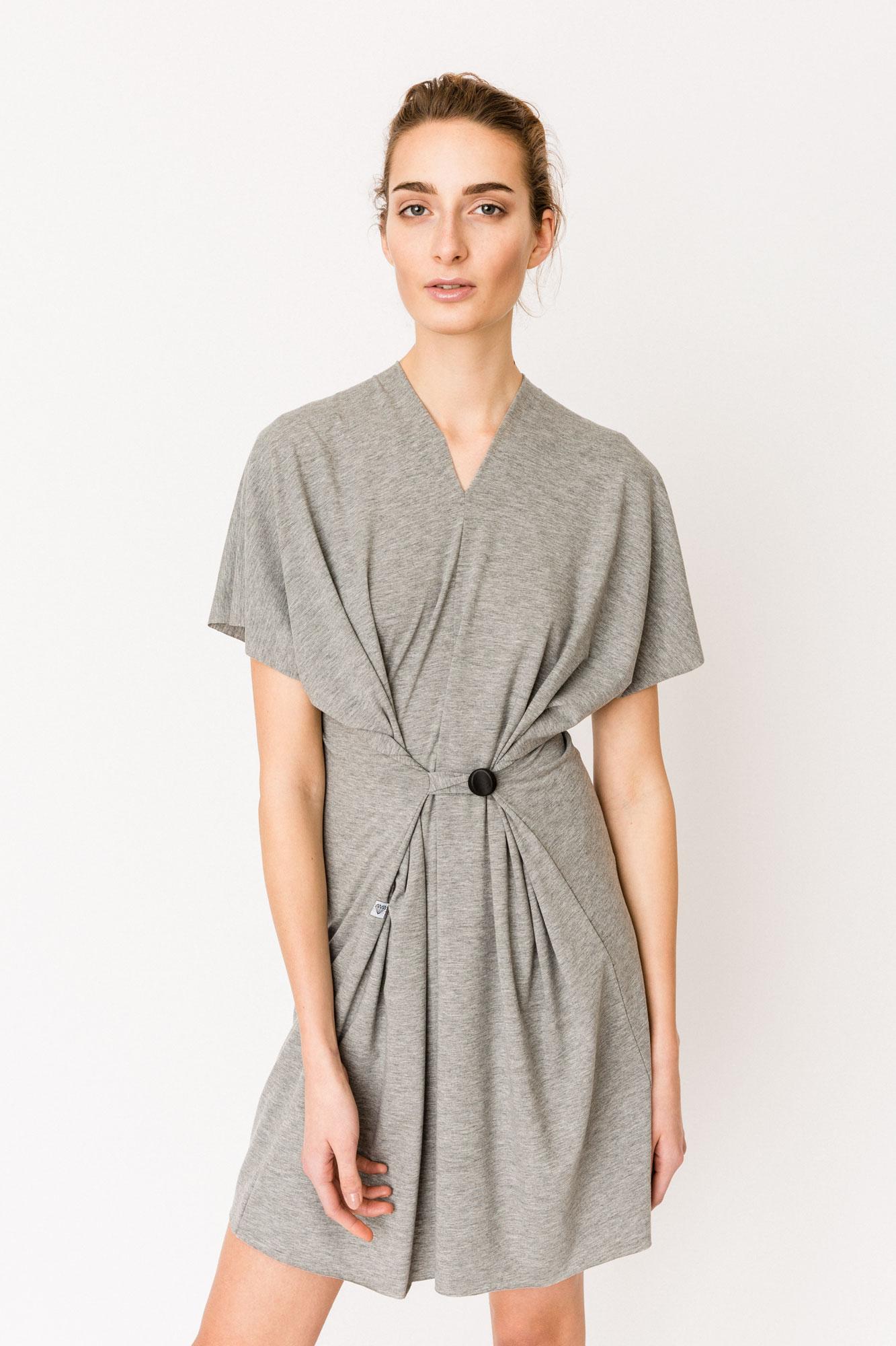 WRNS_BASICS_Gombik-Dress_a01